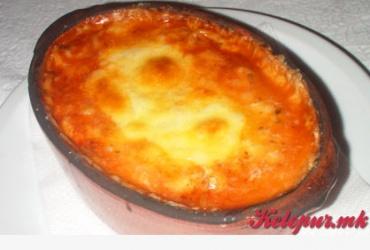 50% попуст на потпечени шпагети болоњезе во пицерија COSA NOSTRA во вредност од 230ден. за само 115ден.