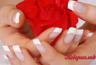 50% попуст на гелни нокти во Beauty Center EXCLUSIVE во вредност од 800ден. за само 399ден.