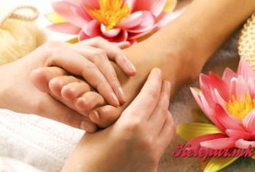 50% попуст на МАСАЖА НА СТАПАЛА во салонот за масажа ЗЛАТНИ РАЦЕ во вредност од 400ден. за само 199ден.