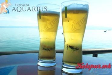 Неодолива понуда! 51% попуст на ДВЕ ГОЛЕМИ точени пива TUBORG во AQUARIUS во вредност од 200ден. за само 99ден.