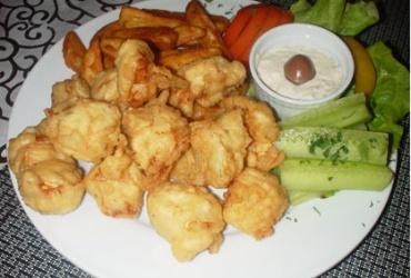 Вкусно и крцкаво! 50% попуст на порција пилешко на орли начин во Stazionе во вредност од 240ден. за само 119ден.