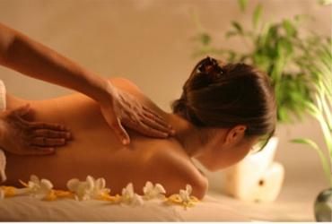"""Предновогодишно опуштање! 50% попуст на ДВЕ парцијални масажи по 30мин. во студио за масажа """"Златни раце"""" во вредност од 600ден. за само 299ден."""