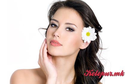 50% попуст на третман за лице по избор класичен или биолошки во Beauty Center EXCLUSIVE во вредност од 600ден. за само 299ден.